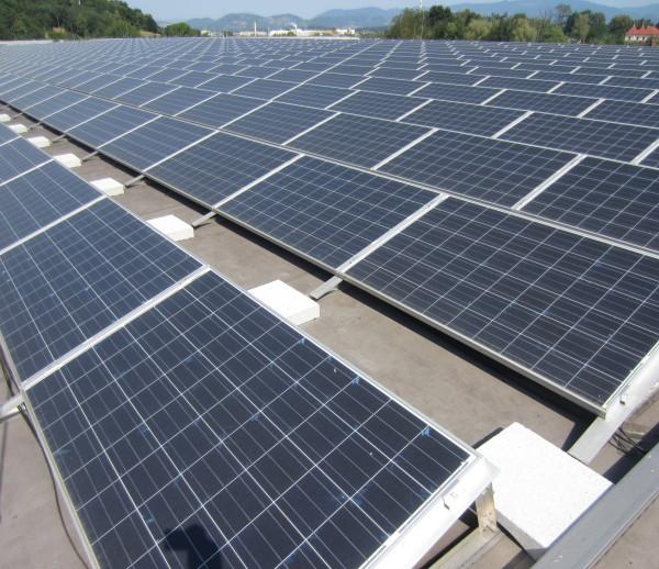 Čiščenje sončnih elektrarn